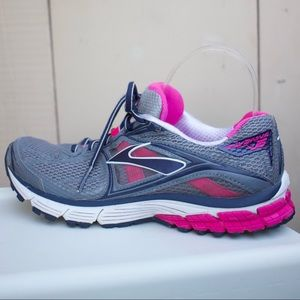 Brooks Ravenna 5 DNA Running Athletic Shoes